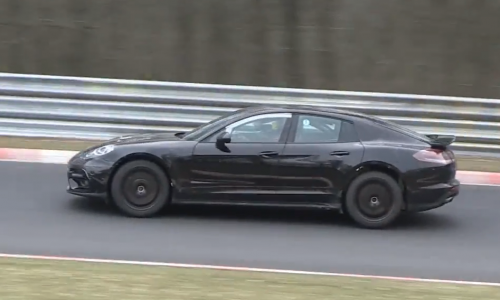 Video: 2016 Porsche Panamera spotted, wearing new body?