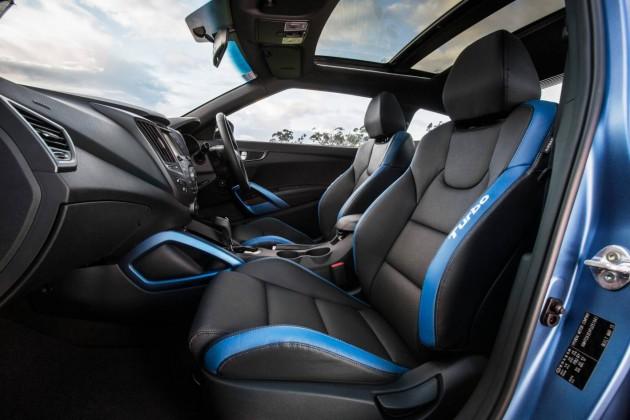 2015 Hyundai Veloster SR Turbo Series II-interior