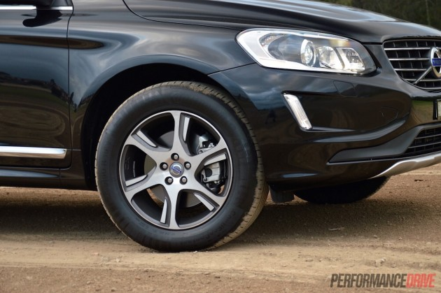 2015 Volvo XC60 T5 Luxury-18in wheels