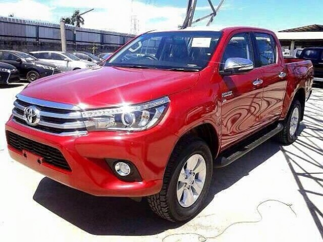 2016 Toyota HiLux red