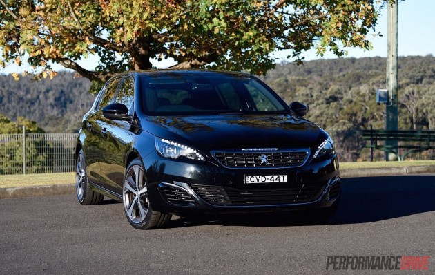 2015 Peugeot 308 GT-headlights