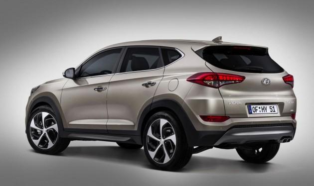 2016-Hyundai-Tuscon-rear