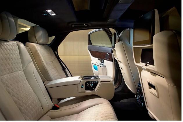2016 Jaguar XJ-rear seats