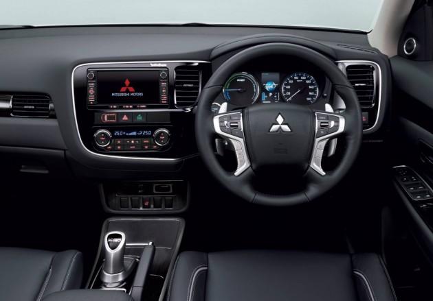 2016 Mitsubishi Outlander PHEV-interior
