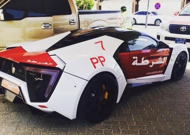 Lykan Hypersport Dubai police-rear