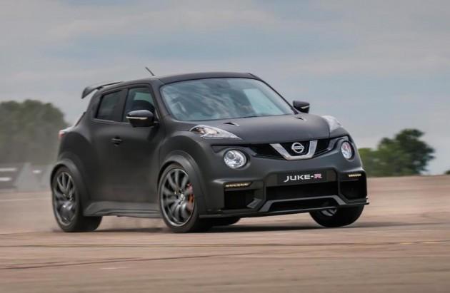 Nissan Juke-R 2.0-cornering