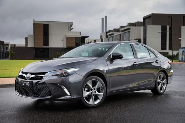 2015-Toyota-Camry-Atara-SL-optional-18s