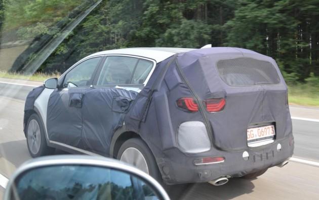2016 Kia Sportage prototype-rear