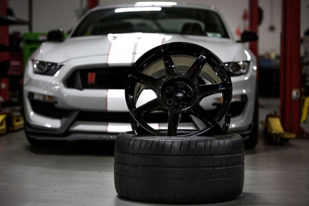 Carbon Revolution Ford Mustang GT350R