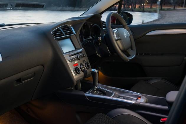 2015 Citroen C4-interior