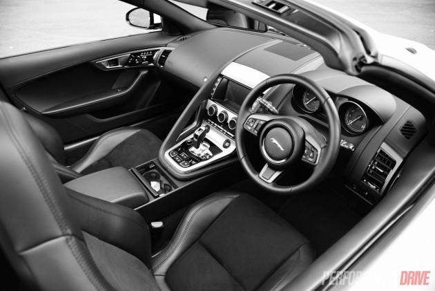 2015 Jaguar F-Type-interior