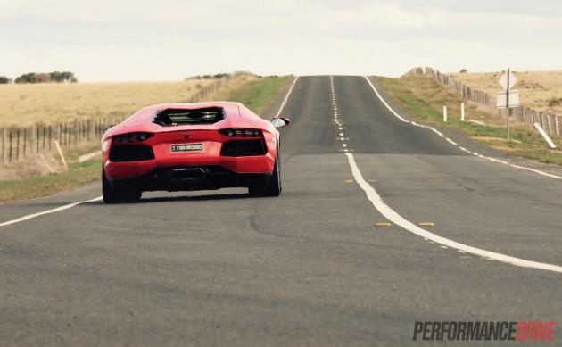 2015 Lamborghini Aventador-acceleration