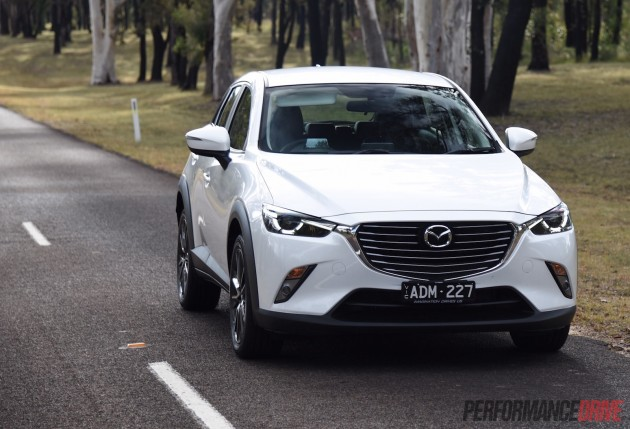 2015 Mazda CX-3 sTouring-LED headlights