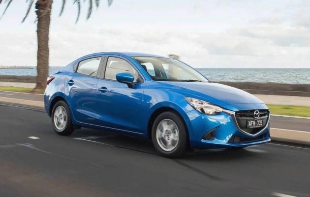 2015 Mazda2 Maxx sedan-blue