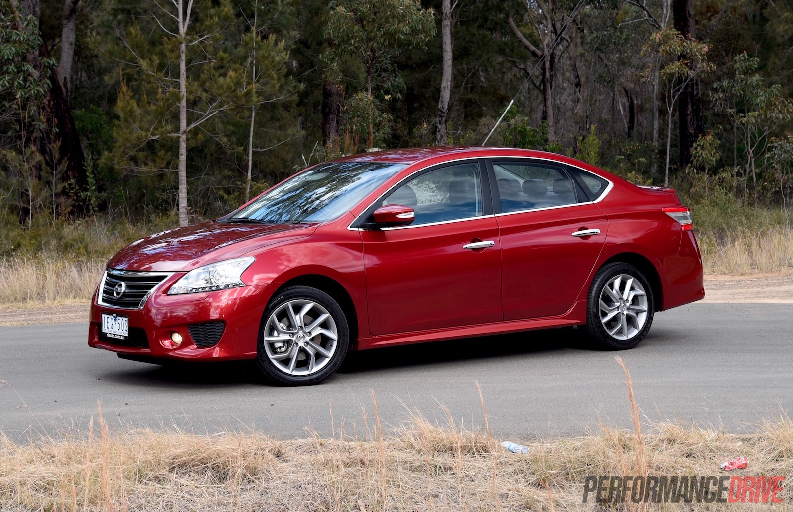 2015 Nissan Pulsar SSS sedan review (video) | PerformanceDrive