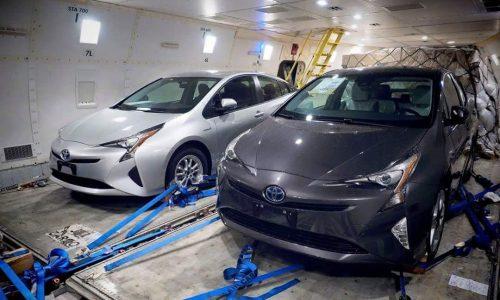 2016 Toyota Prius exterior revealed