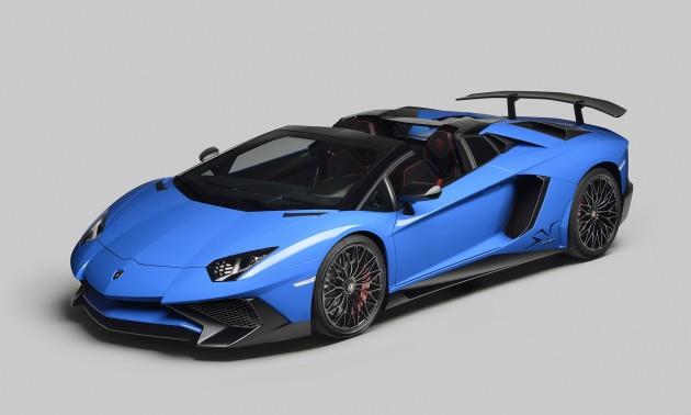 Lamborghini Aventador Superveloce Roadster-roof down