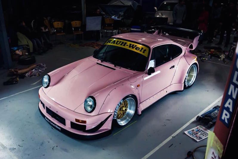 RAUH-Welt makes special pink Porsche 911 for Australian debut | PerformanceDrive