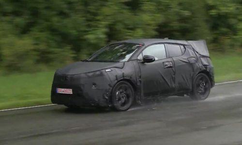 Toyota C-HR prototype spotted, new mini SUV (video)