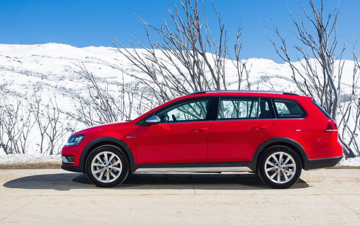 Volkswagen Golf Alltrack on sale in Australia from $37,990 ...