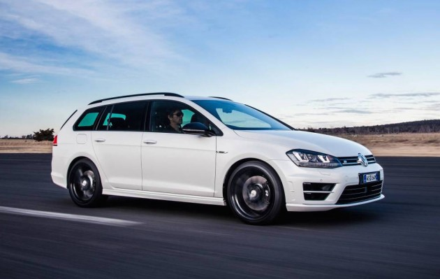 Volkswagen Golf R wagon Wolfsburg edition-front