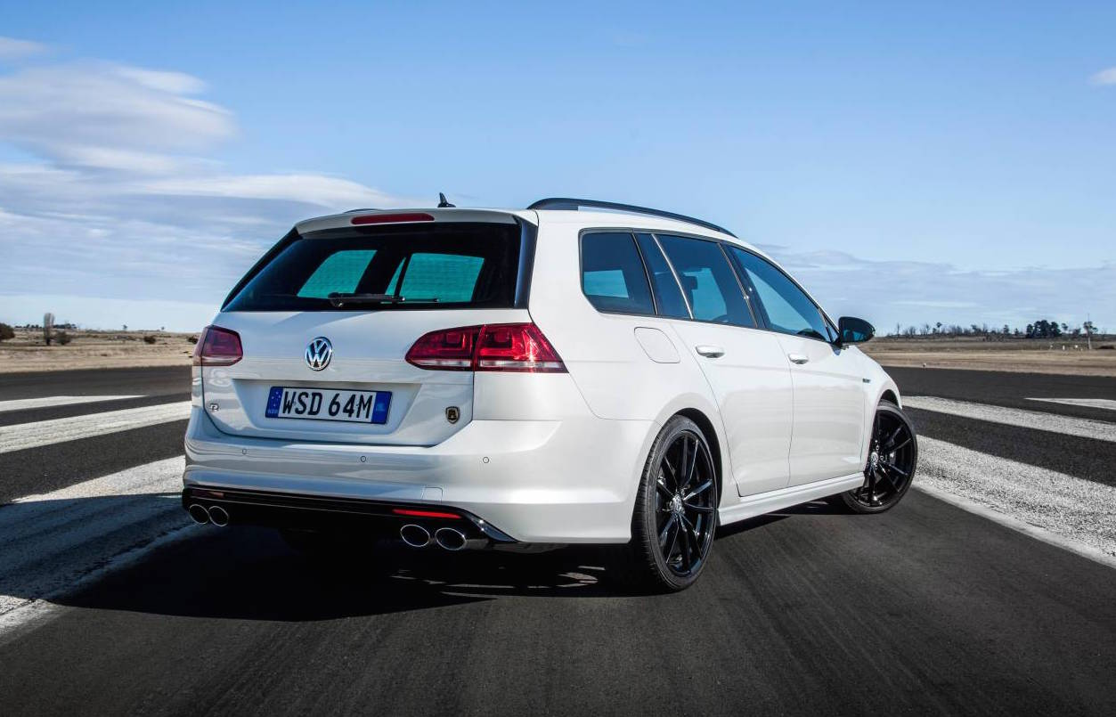 volkswagen golf r wagon special edition now on sale. Black Bedroom Furniture Sets. Home Design Ideas