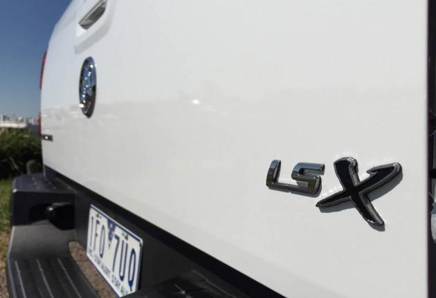 2015 Holden Colorado LS-X-badge