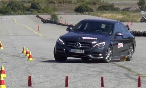 2015 Mercedes C-Class fails moose test, slides off course (video)