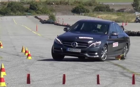 2015 Mercedes-Benz C-Class moose test