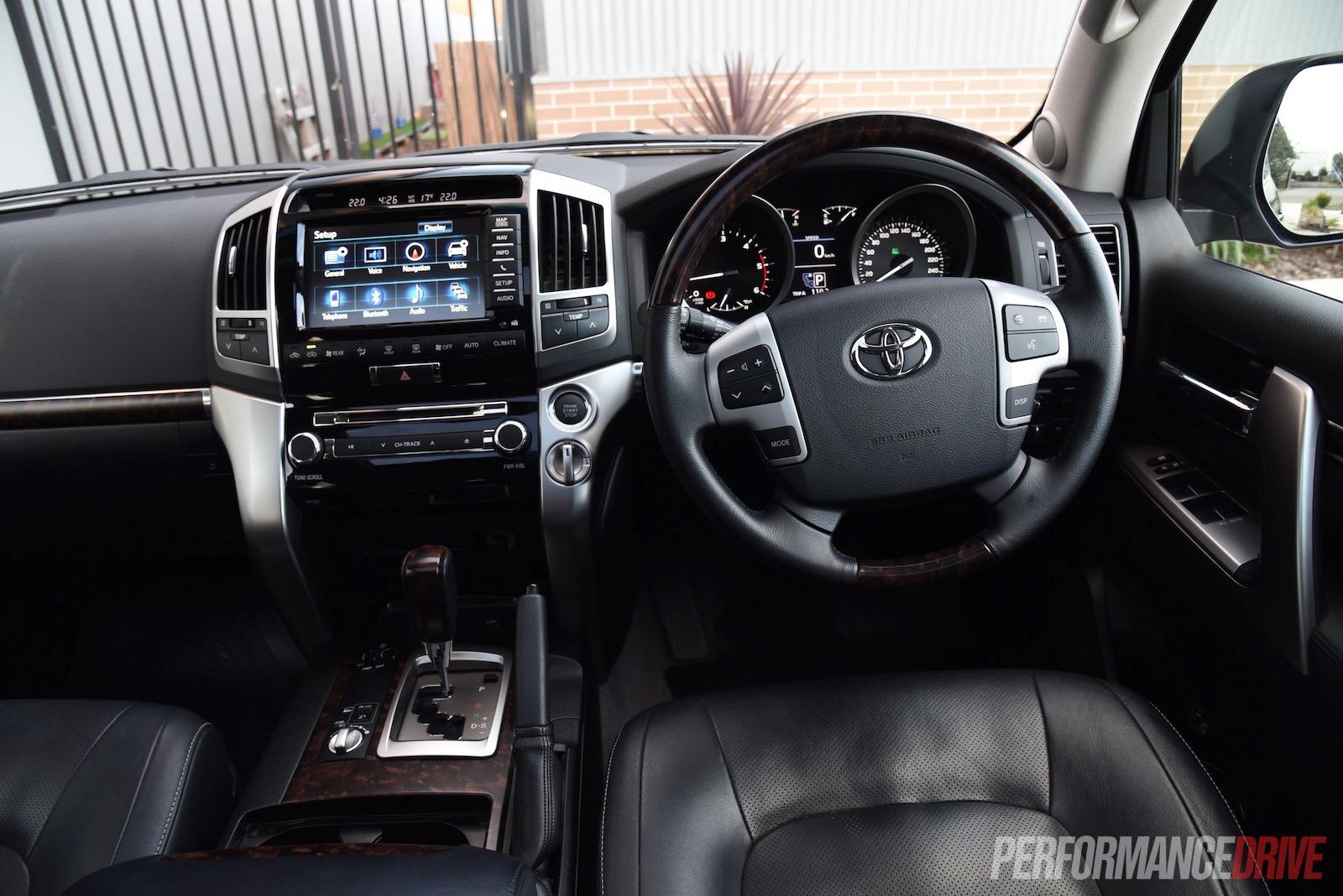 2015 toyota landcruiser sahara diesel review video