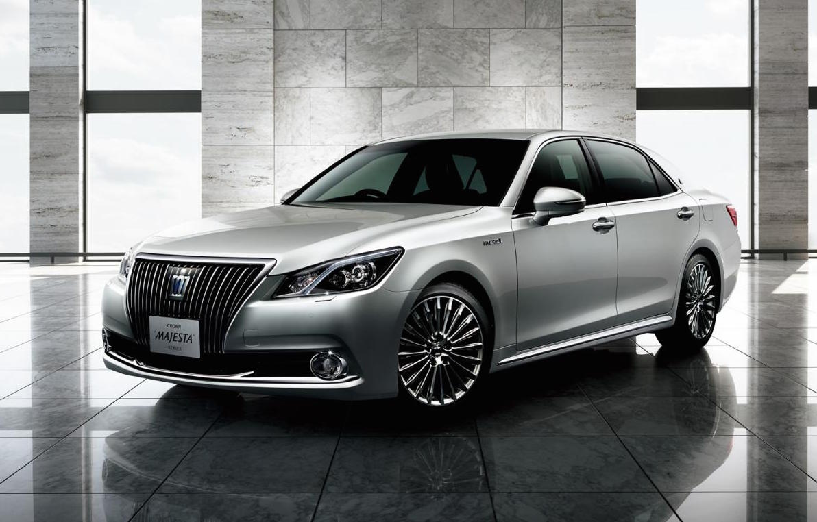 2016 Toyota Crown Revealed Gets New 2 0l Turbo