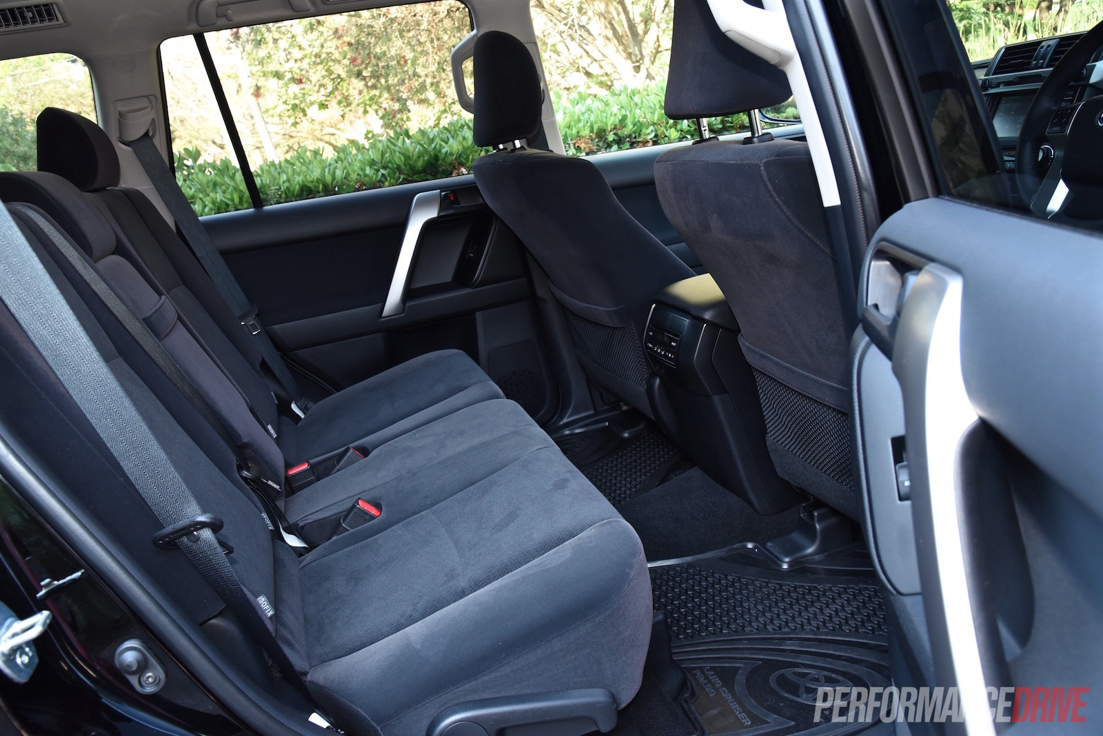 2016 Toyota Landcruiser Prado 28 Review Video Performancedrive Renault Scenic Wiring Diagram Under Passenger Seat Gxl Rear Seats