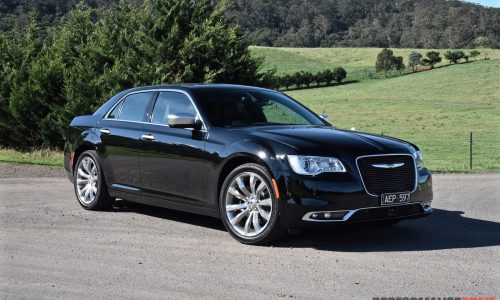 2015 Chrysler 300C Luxury review (video)