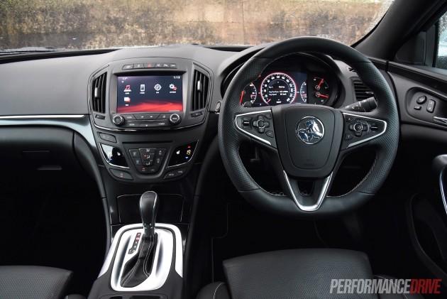 2015 Holden Insignia VXR-dash