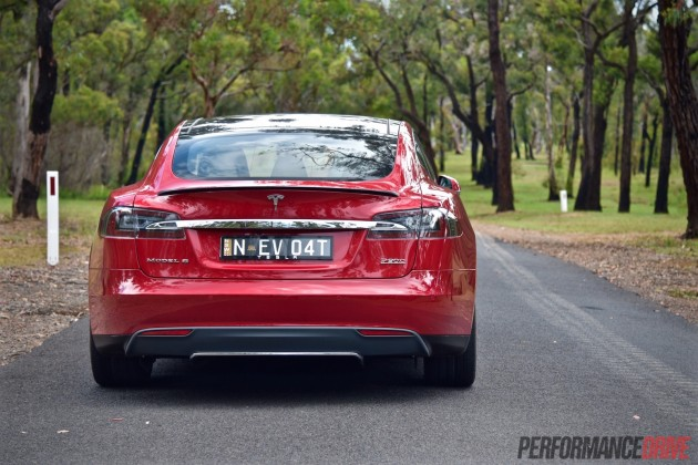 2015 Tesla Model S P90D-taillights