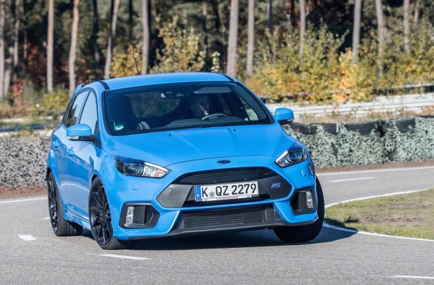 2016 Ford Focus RS-blue
