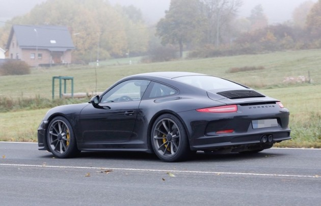 2016 Porsche 911 R prototype-rear