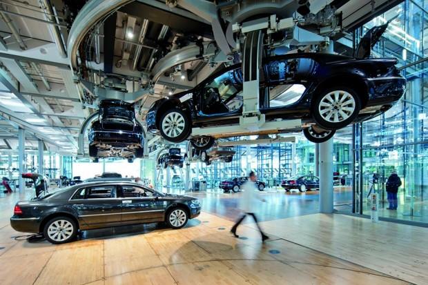 Volkswagen Transparent Factory-Phaeton
