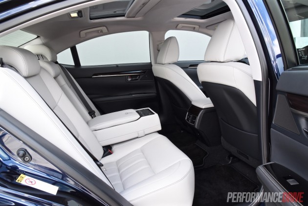 2016 Lexus ES 350 Sports Luxury-rear seats