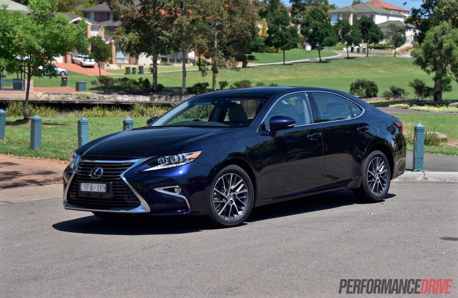 2016 Lexus ES 350 Sports Luxury review (video ...