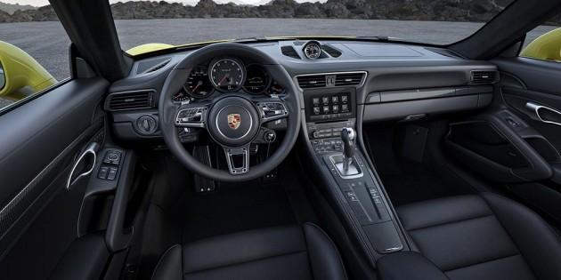 2016 Porsche 911 Turbo S-dash