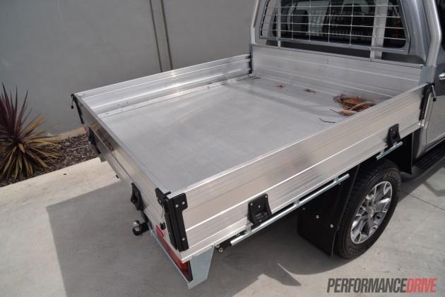 2016 Toyota HiLux SR-genuine tray