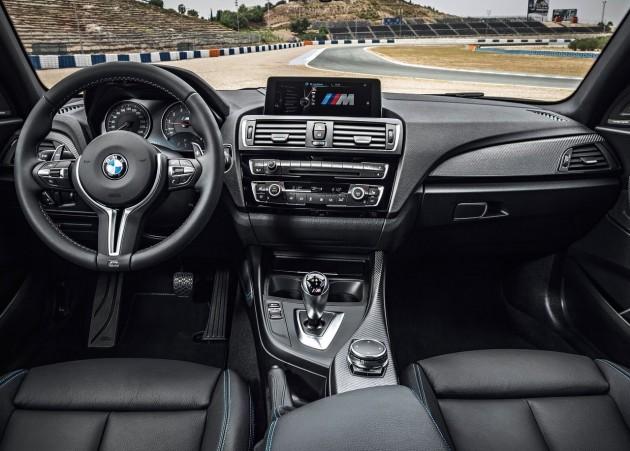 BMW M2-interior