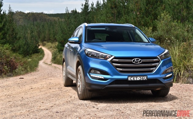 2015 Hyundai Tucson Elite-headlights