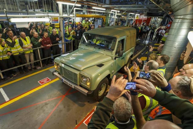 2016 Land Rover Defender production finish