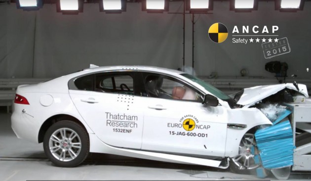 Jaguar XE crash test