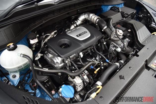 2015-Hyundai-Tucson-Elite-1.6T-engine