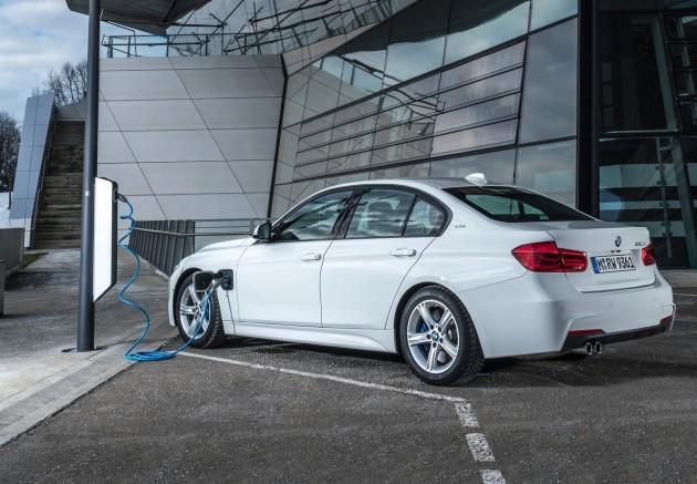 2016 BMW 330e-plug in