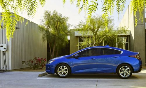 GM offers its Volt hybrid powertrain to other carmakers