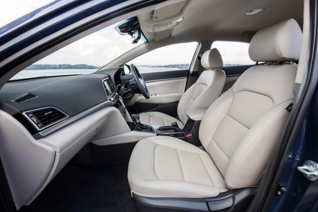2016 Hyundai Elantra Elite-seats